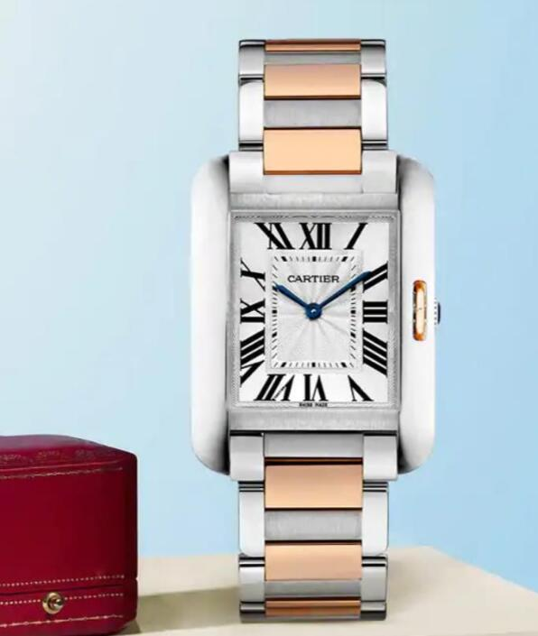 The rose gold has added the brilliance to the simple Cartier.