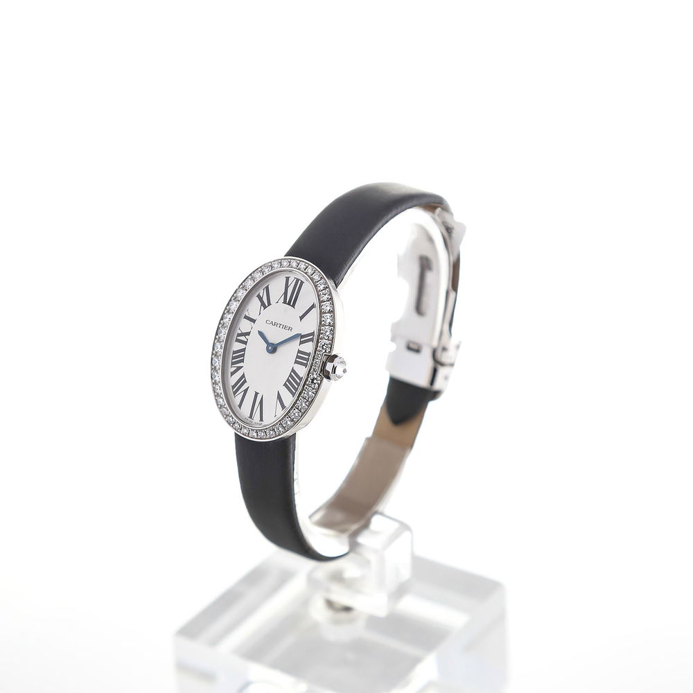 The silvery dials copy watches are decorated with diamonds.